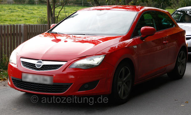 Erlkönig Seat Leon 2013 Dreitürer Kompaktklasse Front