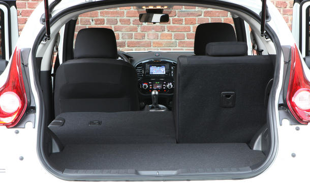 suv vergleich nissan qashqai 4x2 1 6 gegen juke 4x2 1 6 bild 14. Black Bedroom Furniture Sets. Home Design Ideas