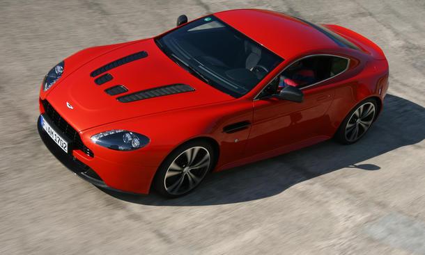 Aston Martin V12 Vantage Megavergleich 2012
