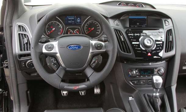 einzeltest ford focus st turnier 2012 bild 8. Black Bedroom Furniture Sets. Home Design Ideas