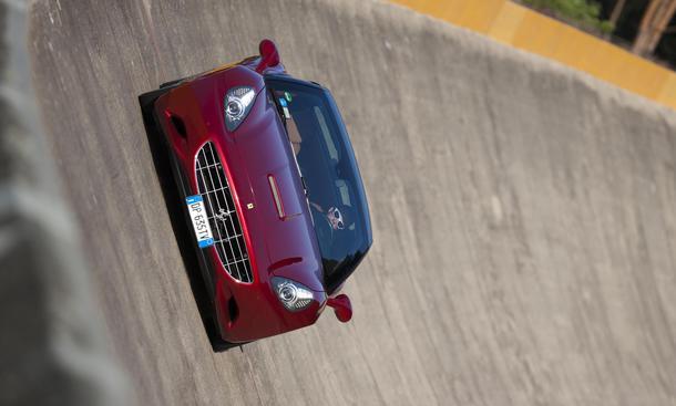 Bilder Ferrari California 30 Megavergleich 2012 Handling Steilkurve
