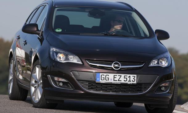 Bilder Opel Astra Sports Tourer 1.7 CDTI ecoFLEX Kompaktklasse Kombi Vergleich 2012