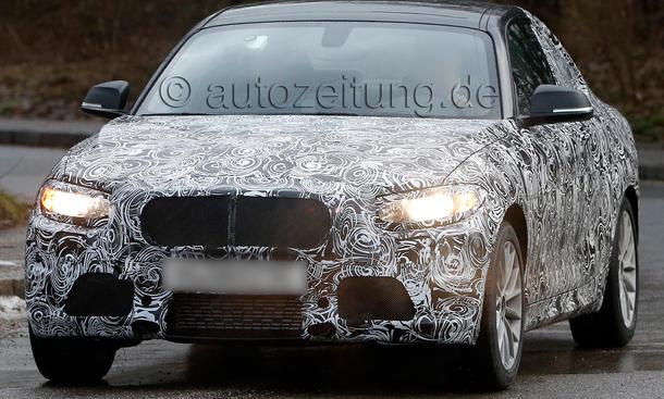 BMW-2er-Coupe-2013-Erlkoenig-M235i-F22-01