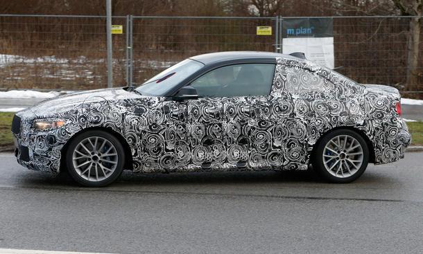 BMW-2er-Coupe-2013-Erlkoenig-M235i-F22-03