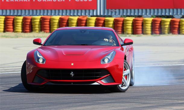 Ferrari F12 Berlinetta 2013 Fahrbericht