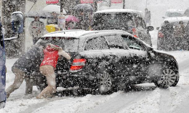 Mietwagen Unfall Urlaub Teilkasko Vollkasko Selbstbehalt Winter Winterreifen