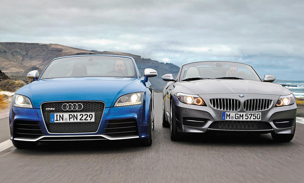 Roadster-Duell: Audi TT RS Roadster und BMW Z4 sDRIVE