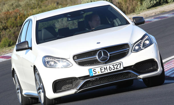 Bilder Mercedes E 63 AMG S 4MATIC (212) 2013 Sportlimousine Vergleich