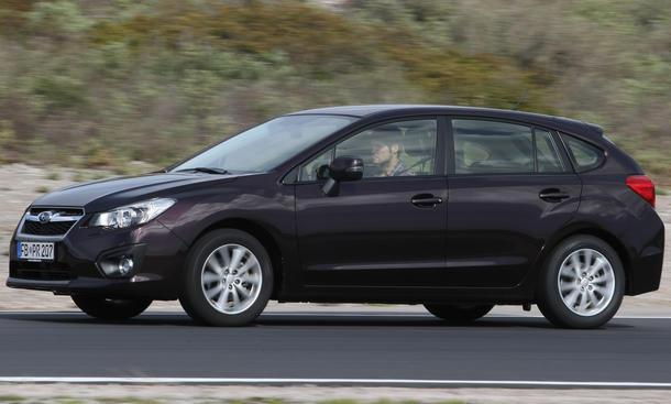 Bilder Subaru Impreza 1.6i 2013 Kompaktwagen Test