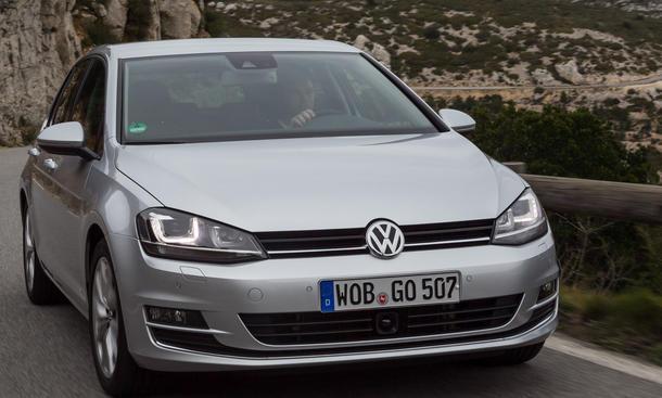 Bilder VW Golf 2.0 TDI BlueMotion Technology 2013 Vergleich