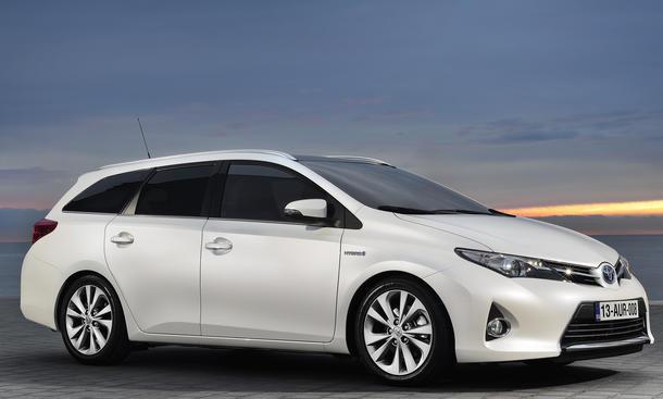 Toyota Auris Touring Sports Kompakt-Kombi Premiere Genfer Autosalon 2013