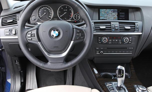 Vergleich SUV: Audi Q5 2.0 TDI quattro gegen BMW X3 xdrive20d ...