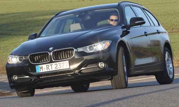 Bilder BMW 318d Touring 2013 Mittelklasse-Kombi Vergleich Fahrdynamik
