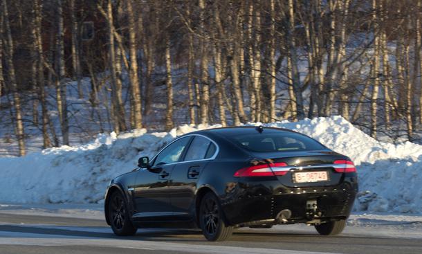 Jaguar X-Type 2015 Erlkönig Mule Mittelklasse Konkurrenz