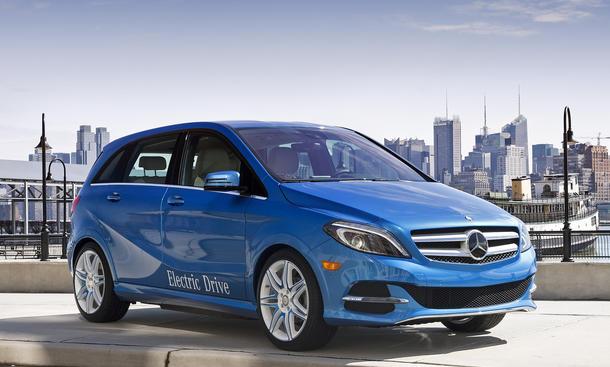 2014 mercedes b klasse electric drive new york auto show 2013. Black Bedroom Furniture Sets. Home Design Ideas