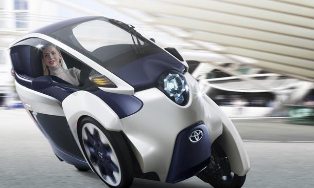 Toyota i-Road Concept Studie Genfer Autosalon 2013 Stadtauto Fahrbild Front