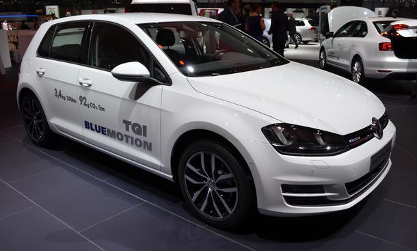 VW Golf VII TGI Bluemotion 2013 Erdgas Genfer Autosalon 2013 Front rechts