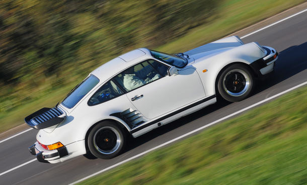 Classic Cars Fahrbericht Porsche 911 Turbo 3.3 Sportwagen Bilder 40 Jahre