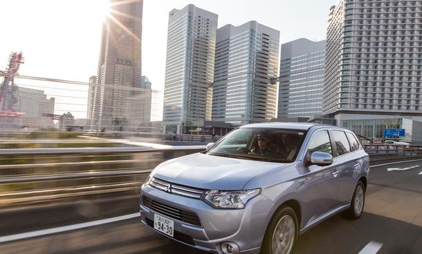 Mitsubishi Outlander PHEV SUV Plug-In-Hybrid Fahrbericht