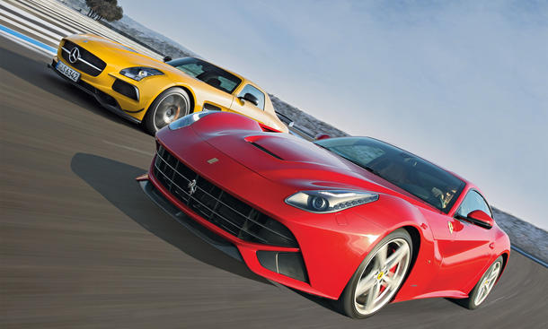 Ferrari F12Berlinetta Mercedes SLS AMG Black Series Supersportler Vergleich