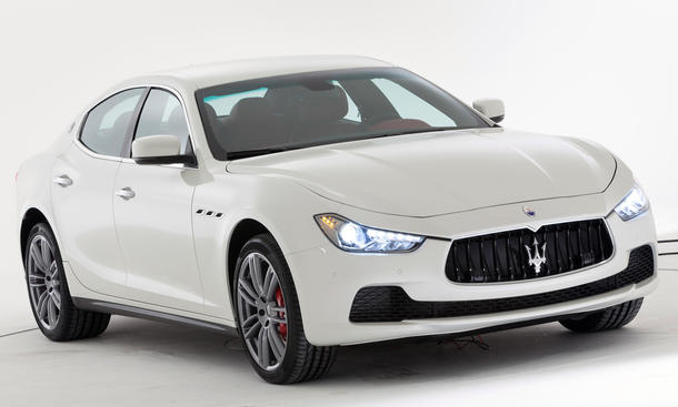 2014 - [Maserati] Ghibli - Page 6 Maserati-Ghibli-2013-Shanghai-Motor-Show-02