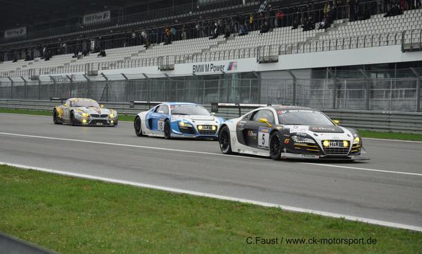 Der Audi mit der Nummer 5 lag am Ende vorn