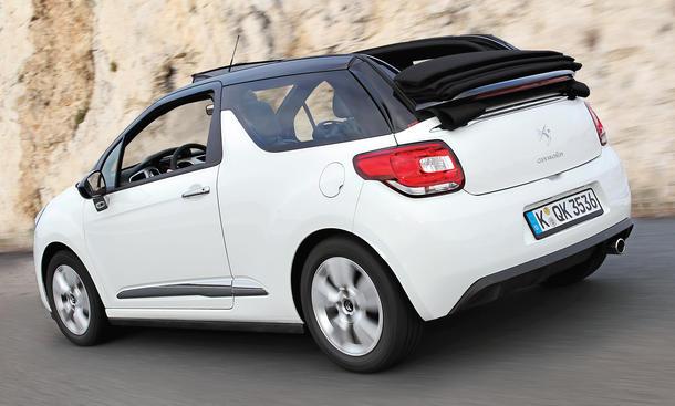 cabrio vergleich citro n ds3 gegen fiat 500c im kleinwagen duell bild 2. Black Bedroom Furniture Sets. Home Design Ideas