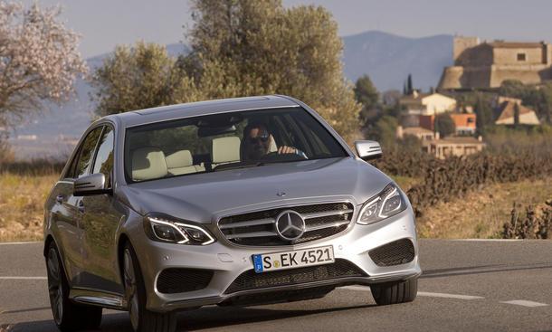 Bilder Mercedes E 400 E-Klasse 2013 Oberklasse Limousine Fahrbericht Komfort