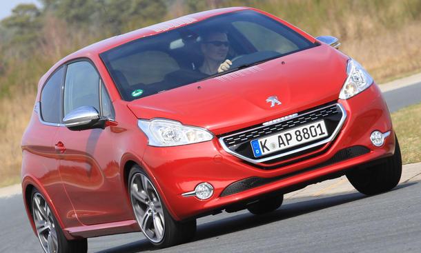 Bilder Peugeot 208 GTi 2013 Test Sport Kleinwagen Design