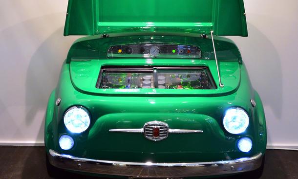 Auto Kühlschrank Kleinanzeigen : Fiat kühlschrank im kleinwagen design von smeg autozeitung