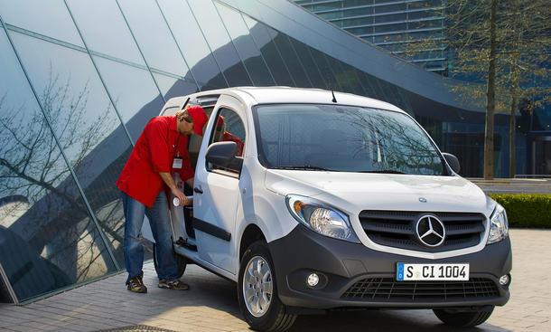 Mercedes Citan Rueckruf 2013 Airbag Sicherheit Crashtest