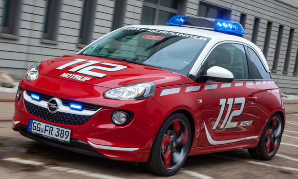 Opel Adam Feuerwehr RETTmobil 2013 First Responder
