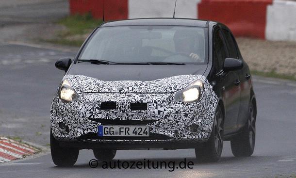 Erlkönig Opel Corsa Facelift 2014 Front Innenraum