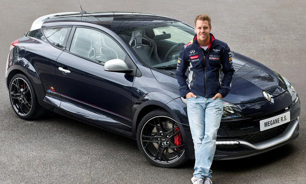 Renault Megane RS Red Bull Racing RB8 2013 F1 Sebastian Vettel