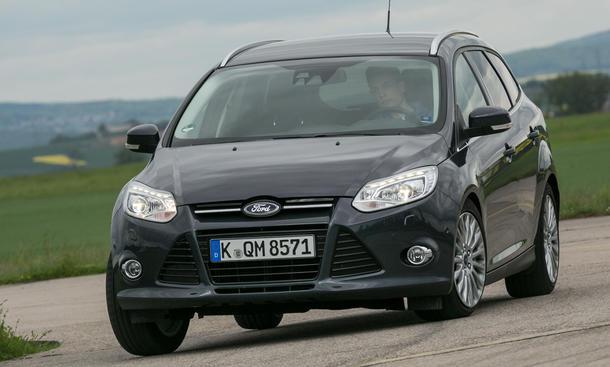Bilder Ford Focus Turnier 1.6 TDCI 2013 Kompaktklasse Kombi Test Kurven
