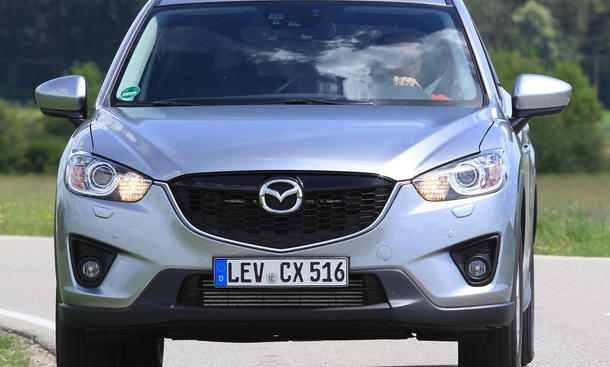 Bilder Mazda CX-5 2.2 Skyactiv-D AWD 2013 Kompakt-SUV Verbrauch