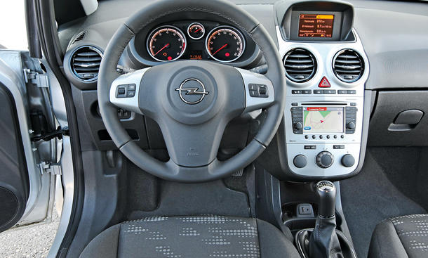 Markenvergleich: Opel Corsa 1.4 16V ecoTEC gegen VW Polo 1.2 TSI |