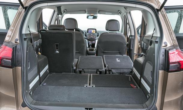 Markenvergleich: Opel Zafira Tourer 2.0 CDTI vs. VW Touran 2.0 TDI BMT