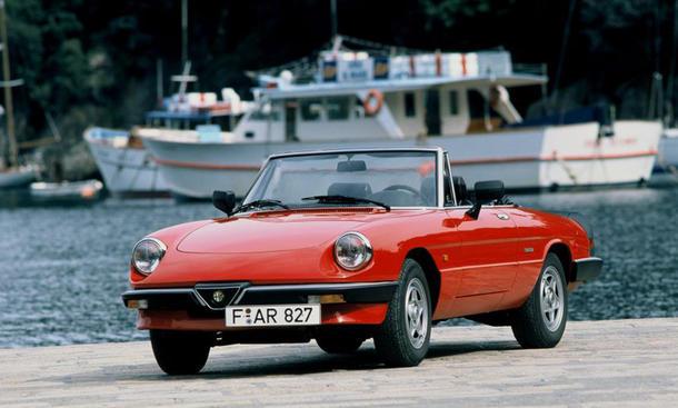 Alfa Romeo Spider Oldtimer Aerodinamica H-Kennzeichen Bilder Kult-Roadster