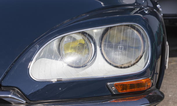 Citroen DS/ID Kaufberatung Ratgeber Classic Cars Bilder Scheinwerfer hinter Glas