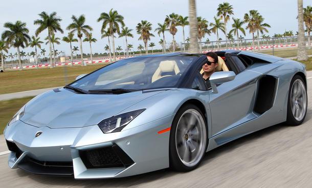 Lamborghini Aventador Roadster 2013 Bilder technische Daten Fahrbericht Test