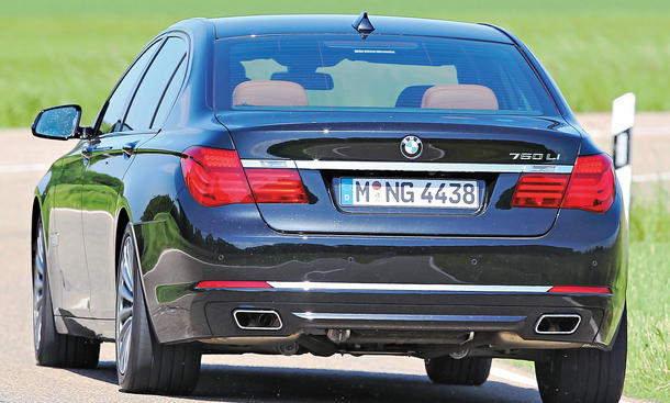 BMW 750Li Mercedes S 500 Lang Tesla Model Performance 2013
