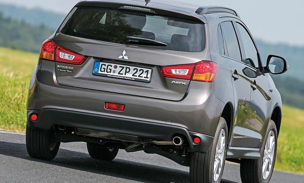 Bilder Mitsubishi ASX 1.6 MIVEC 2WD 2013 Crossover Vergleichstest Getriebe