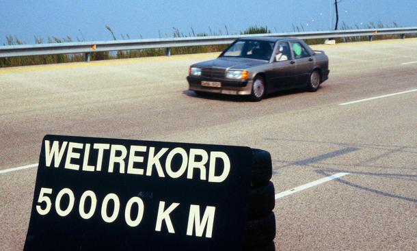 Mercedes 190 E 2.3-16 1983 Nardo Rekorde Jubilaeum 30 Jahre