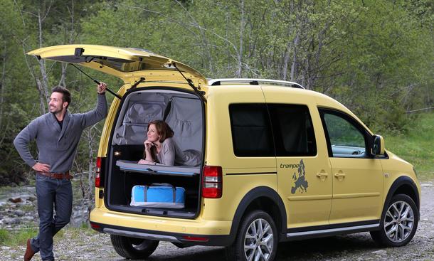 vw cross caddy tramper camping version mit bett auf der. Black Bedroom Furniture Sets. Home Design Ideas
