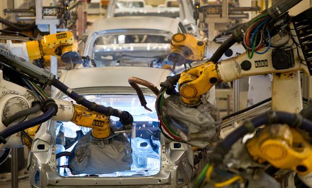 VW kollaborierender Roboter Produktion Zusammenarbeit Salzgitter
