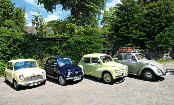 Austin Mini Fiat Nuova 500 Renault 4 CV VW Käfer Bilder Vergleich