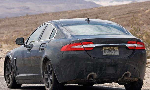 2014 - [Jaguar] XE [X760] - Page 2 Erlkoenig-Jaguar-XS-Type-2015-Mittelklasse-Limousine-6