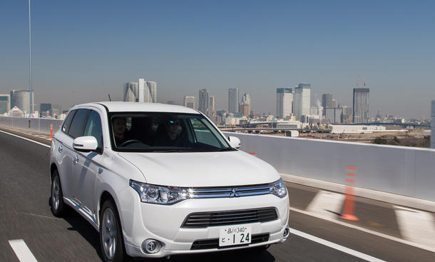 mitsubishi outlander phev preise f r plug in hybrid. Black Bedroom Furniture Sets. Home Design Ideas