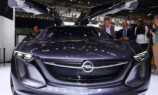 Opel Monza Concept 2013 IAA Studie Fotos Bilder Live Coupé